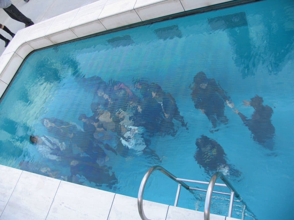 leandro_erlich_illusion_pool