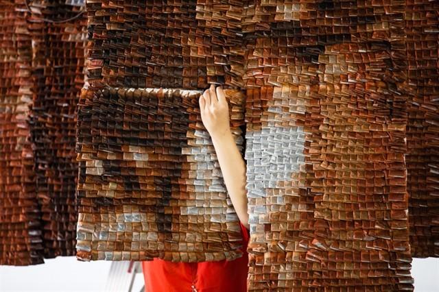 Удивительные портреты из чайных пакетиков рис 4