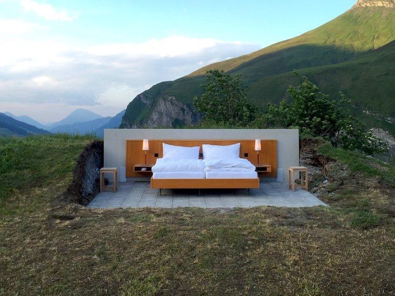 Отель без стен и потолка с лучшим видом на Швейцарские Альпы рис 3