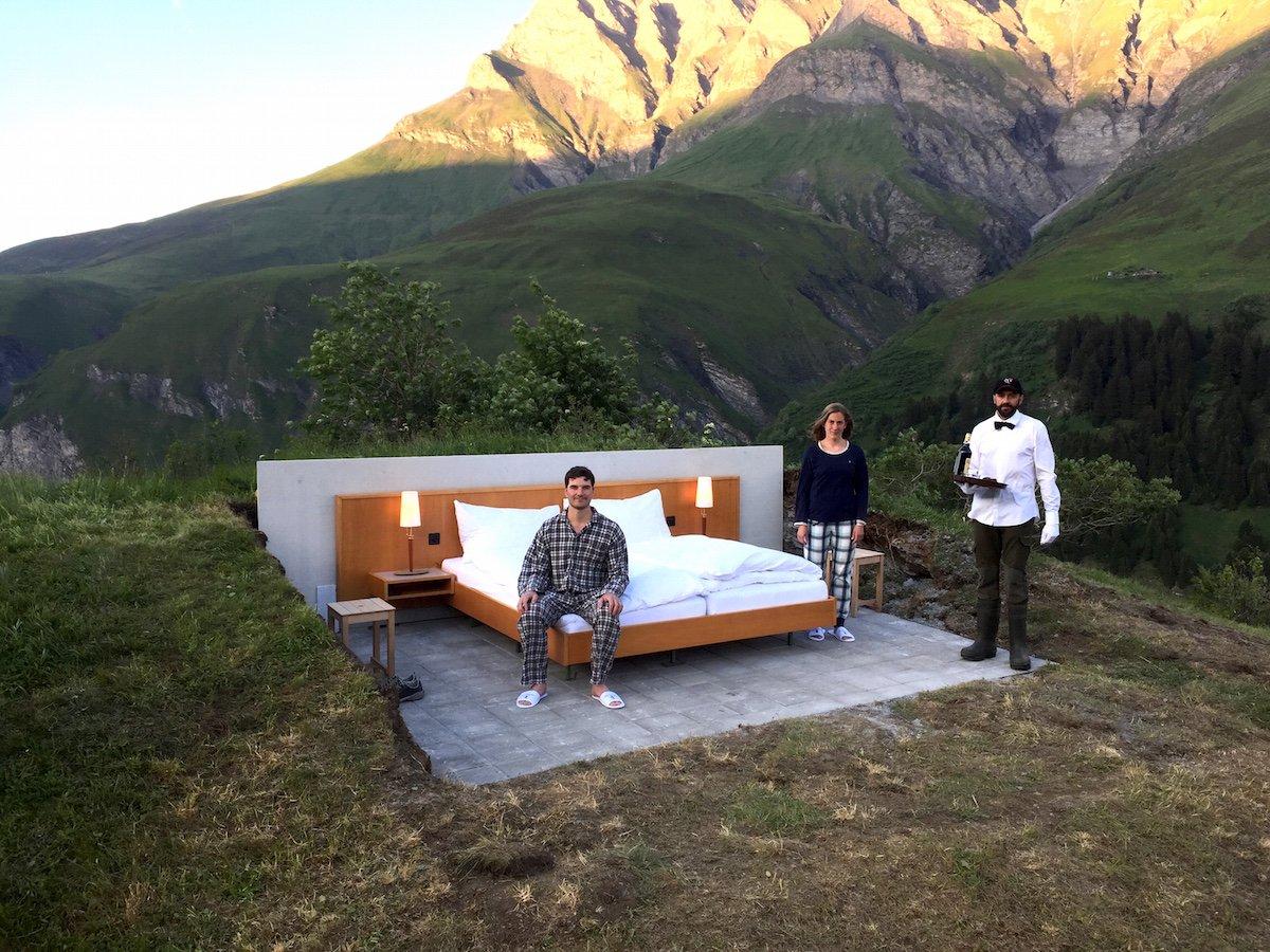 Отель без стен и потолка с лучшим видом на Швейцарские Альпы рис 5