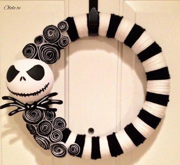 Новая мода на Хэллоуин: страшные венки для украшения дверей рис 13