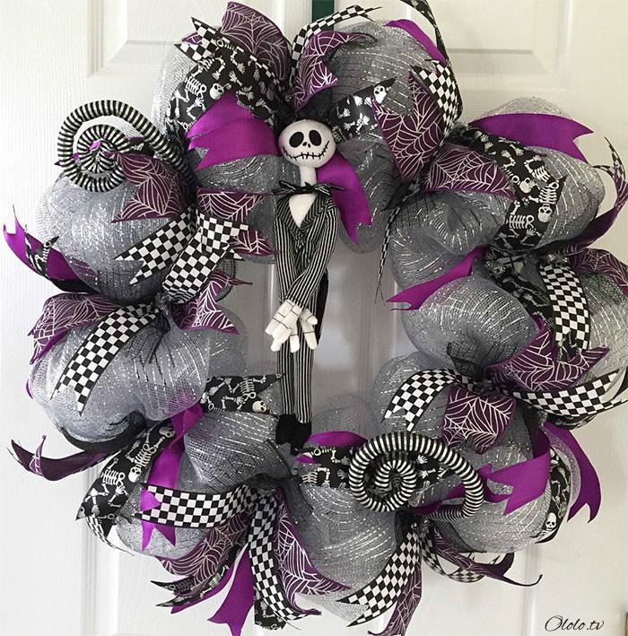 Новая мода на Хэллоуин: страшные венки для украшения дверей рис 11