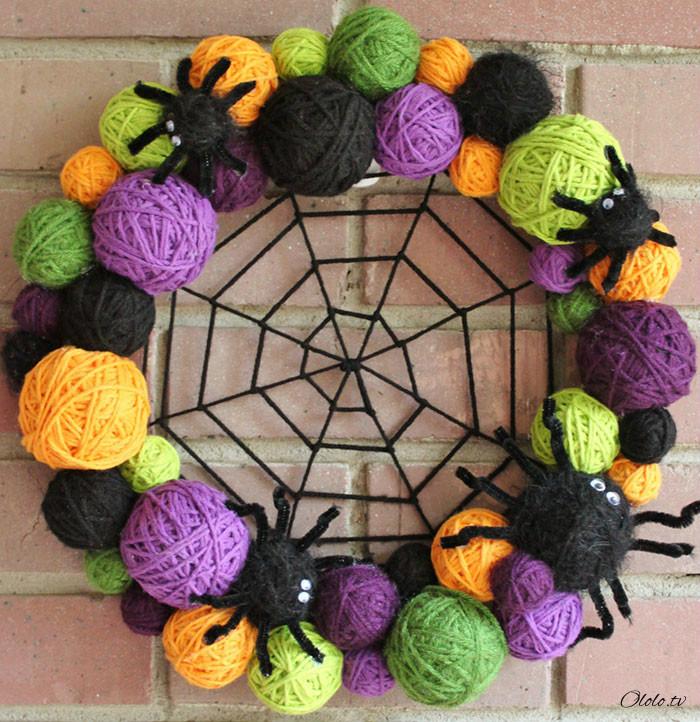 Новая мода на Хэллоуин: страшные венки для украшения дверей рис 9