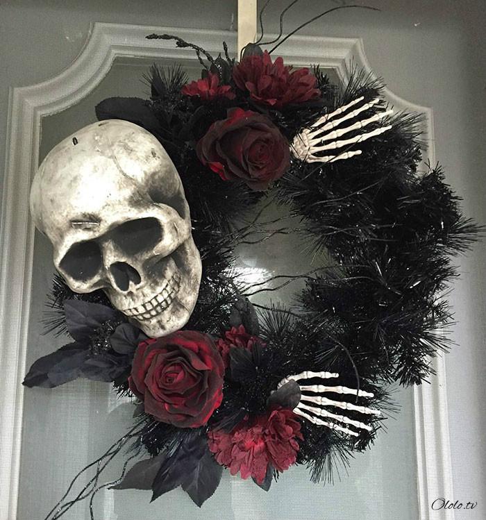 Новая мода на Хэллоуин: страшные венки для украшения дверей рис 16