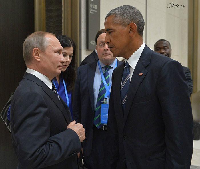 Пронзительный взгляд Обамы и Путина с упоением троллят в сети: фото-пародии со всего света