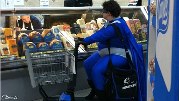 Эти люди просто пришли за покупками в американский супермаркет Walmart рис 3