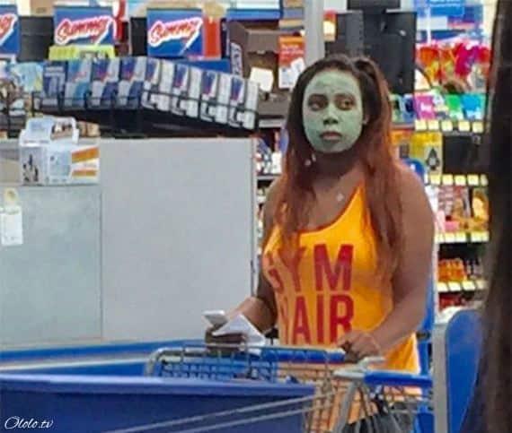 Эти люди просто пришли за покупками в американский супермаркет Walmart рис 8