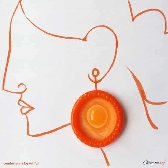 Индийский художник использует в своих рисунках презервативы
