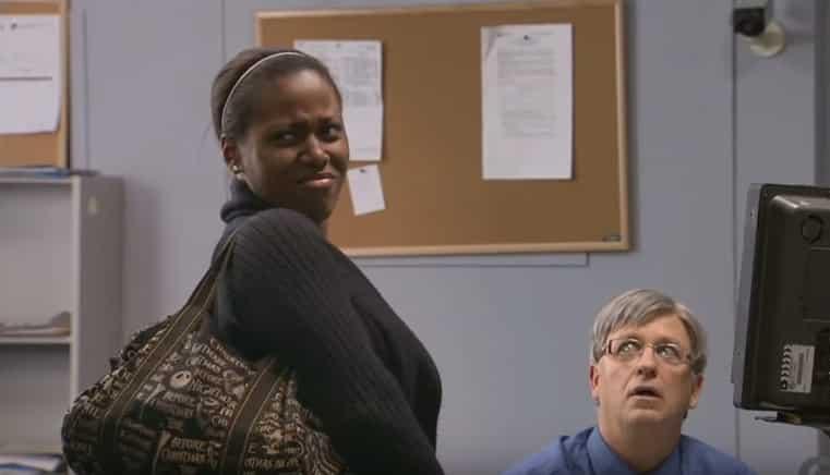 Когда шалость безвредна и смешна: «раздевающий» сканер шокировал этих женщин