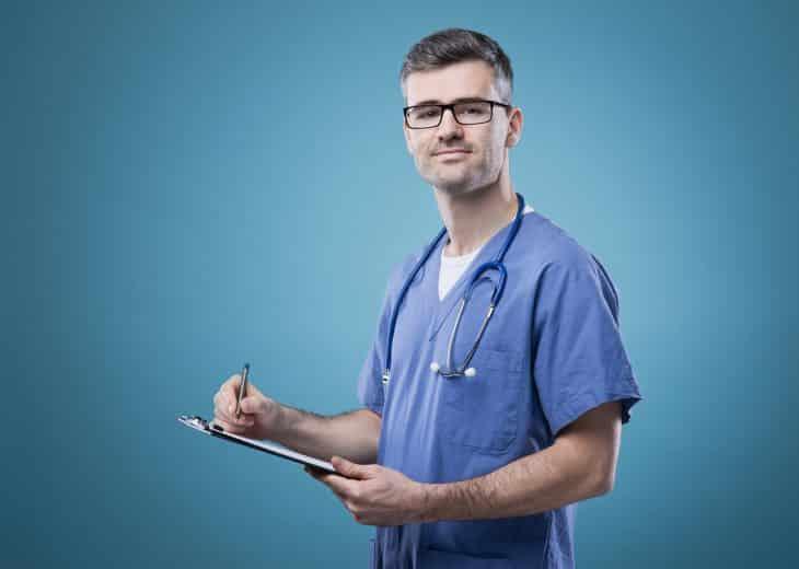 Уморительный анекдот с неожиданным финалом про врача и пациентку