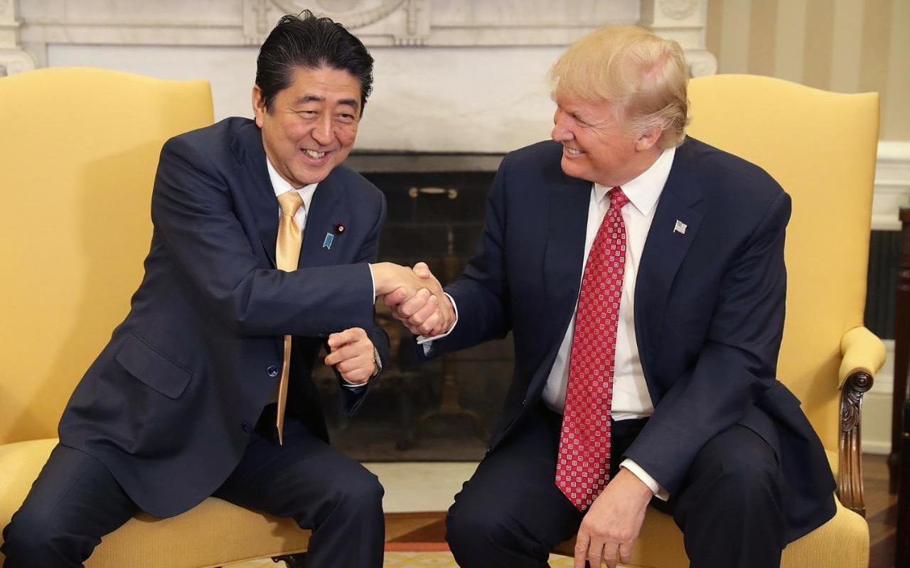 Очень приятно, Трамп: дерзкие рукопожатия 45-го президента Соединённых Штатов Америки