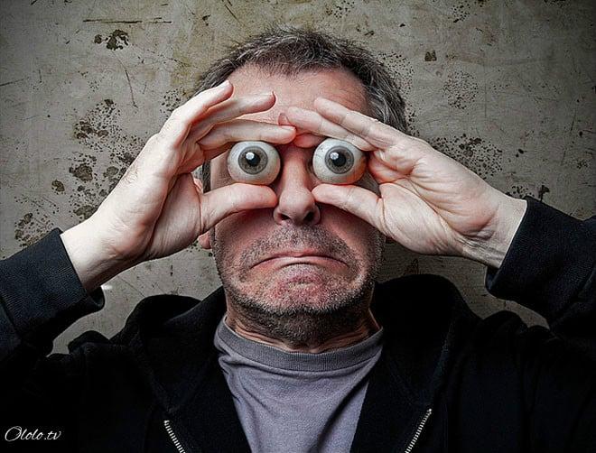 Необычные и смешные автопортреты от фотографа-экспериментатора