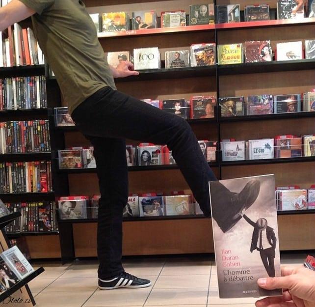 Вот что случается, когда продавцы книжного магазина начинают скучать рис 3