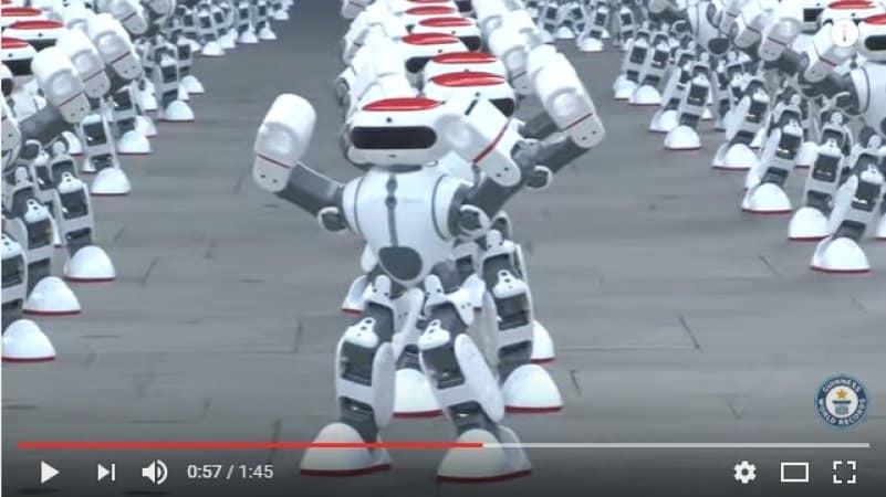 В Китае толпа танцующих роботов установила новый мировой рекорд