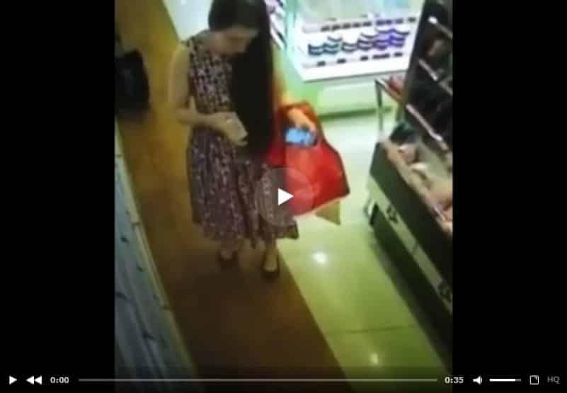 Стремная женщина в супермаркете. Видео со скрытой камеры