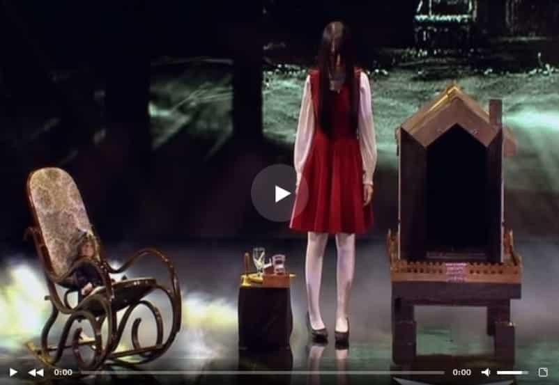 Пугающее выступление девочки на шоу талантов в Азии. Видео