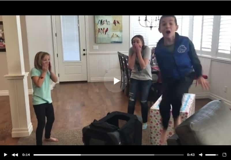 Трогательная реакция детей, получивших в подарок щенка. Видео