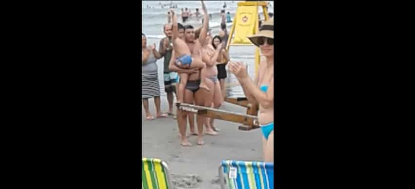 Как быстро найти родителей потерявшегося на пляже ребенка. Видео