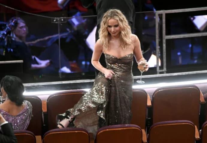3 раза, когда Дженнифер Лоуренс отличилась на премии Оскар. То ли еще будет? рис 6