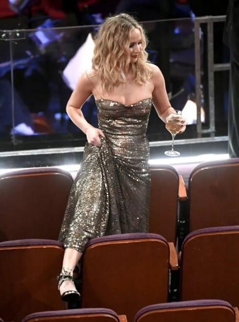 3 раза, когда Дженнифер Лоуренс отличилась на премии Оскар. То ли еще будет? рис 7