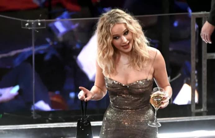 3 раза, когда Дженнифер Лоуренс отличилась на премии Оскар. То ли еще будет? рис 5