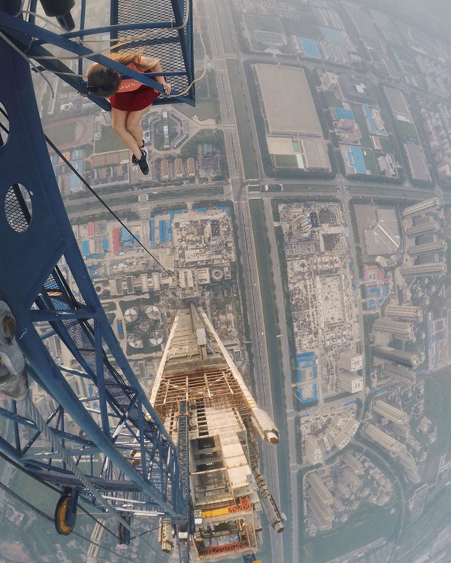 14 самых опасных селфи в мире в исполнении русского фотографа