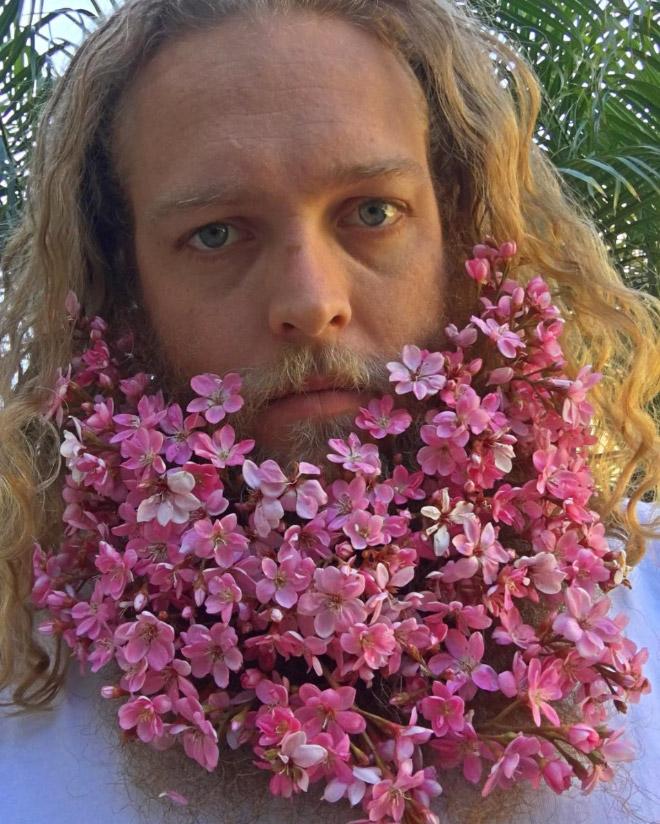 Цветы тебе в бороду! В Инстаграме новый тренд! рис 12