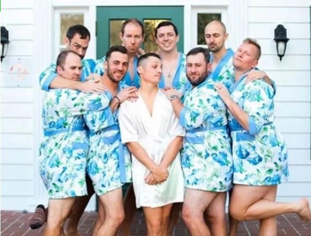 групповое фото парней в халатах
