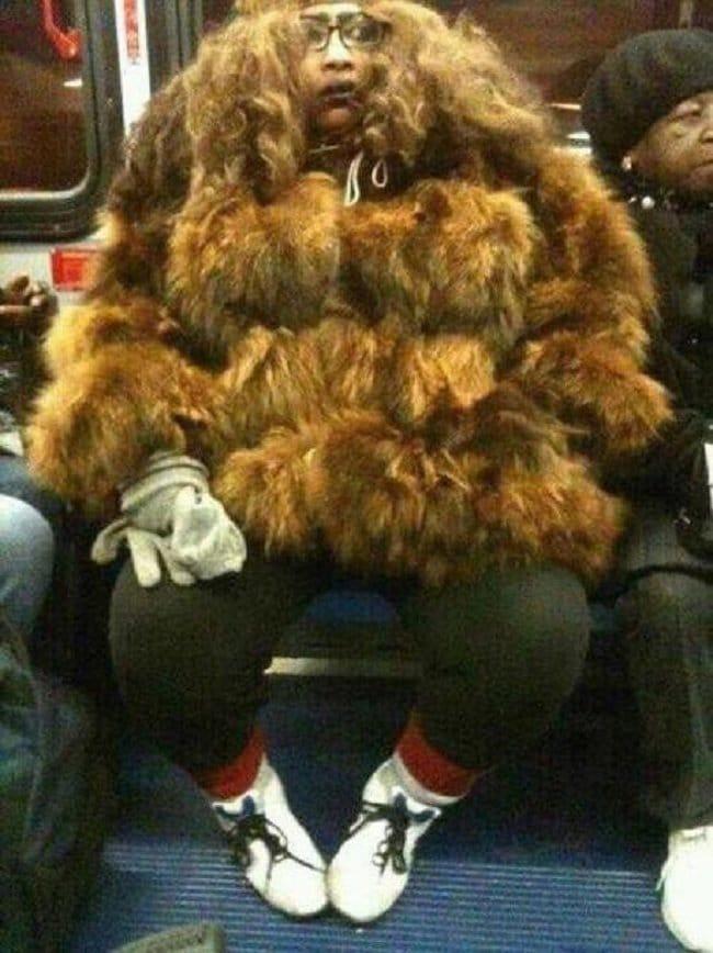 модники в метро рис 2