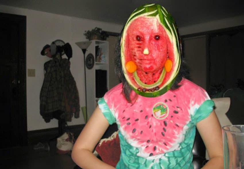 девочка в костюме арбуза