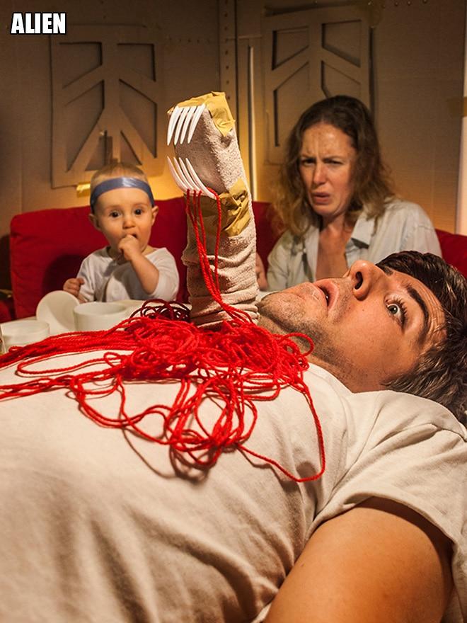 Родители воссоздают сцены из культовых фильмов с участием их сына! 19