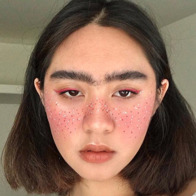 девушка брюнетка рис 4