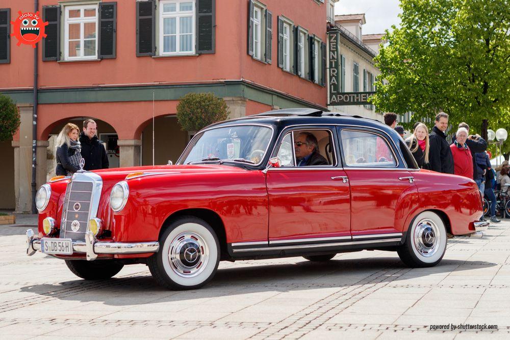 Mercedes W105
