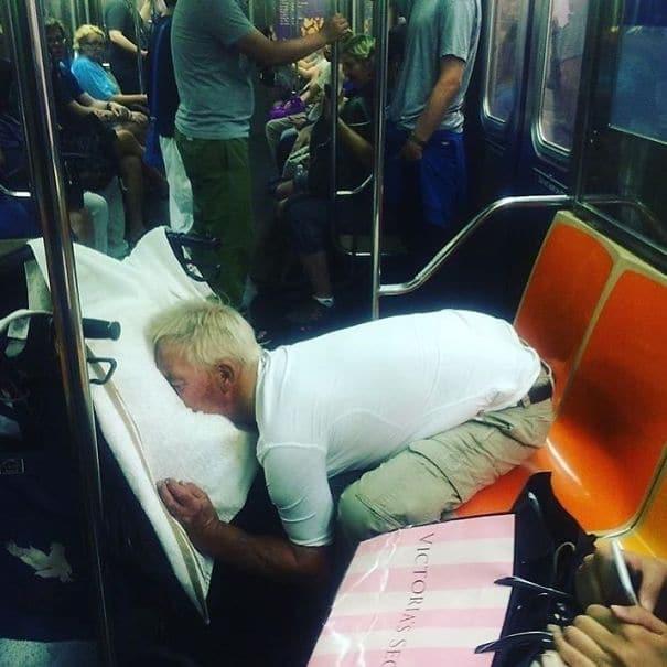 чудные люди в метро рис 3