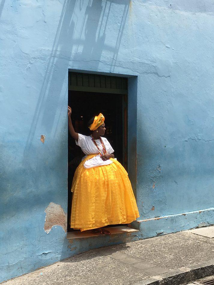 фото женщина в бразильской одежде