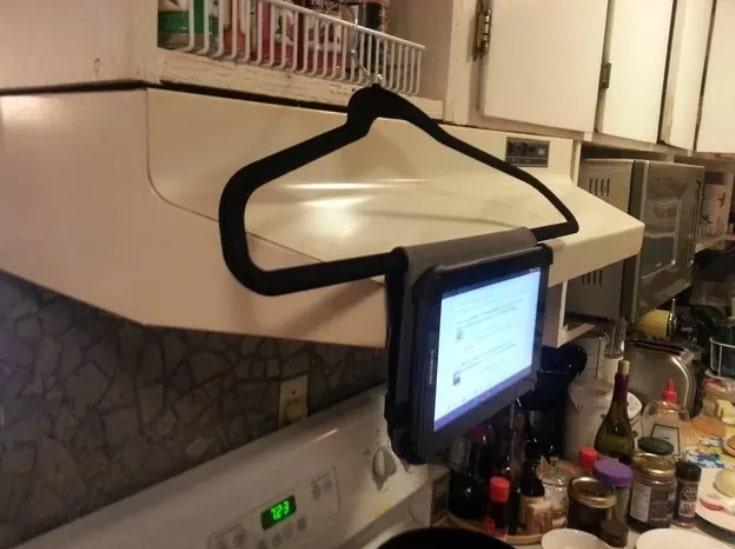 планшет на тремпеле