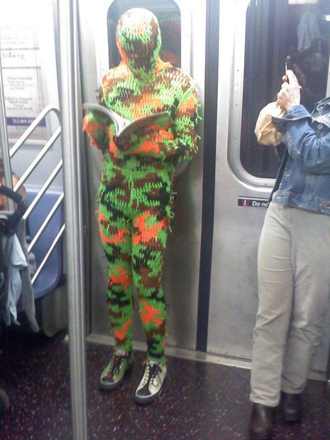 люди в метро рис 3