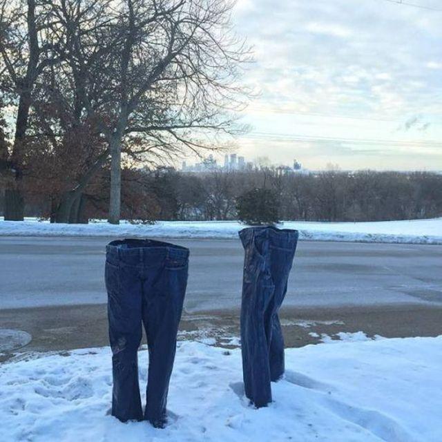 замерзшие джинсы