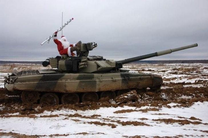дед мороз на танке