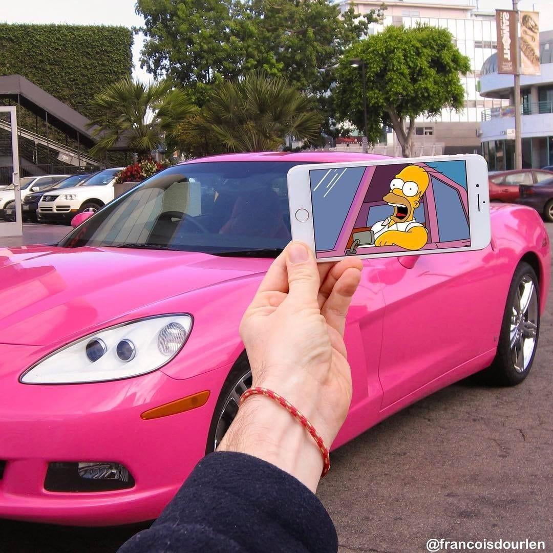 розовый автомобиль