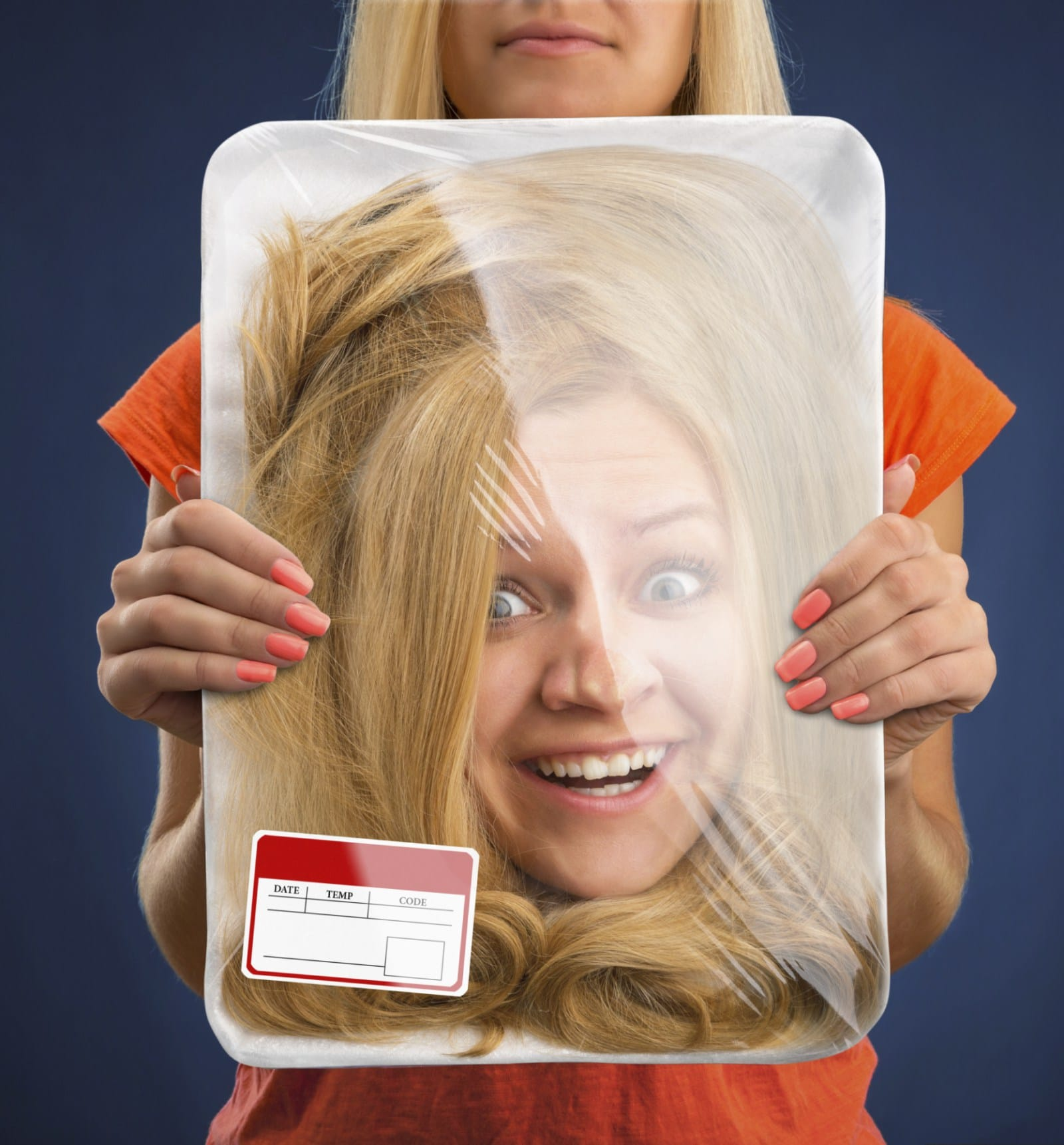 женская голова в упаковке