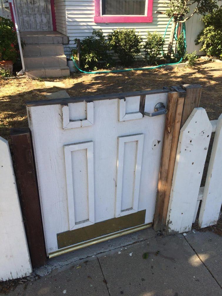 дверь вместо калитки