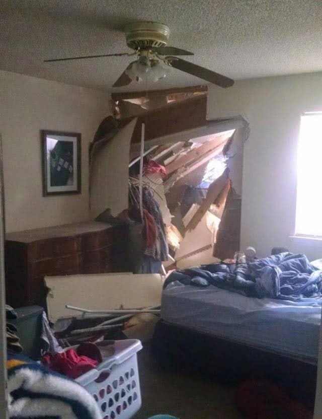 обвалился второй этаж
