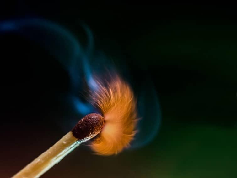 возгорание спички