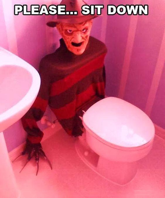 костюм фредди крюрега в туалете