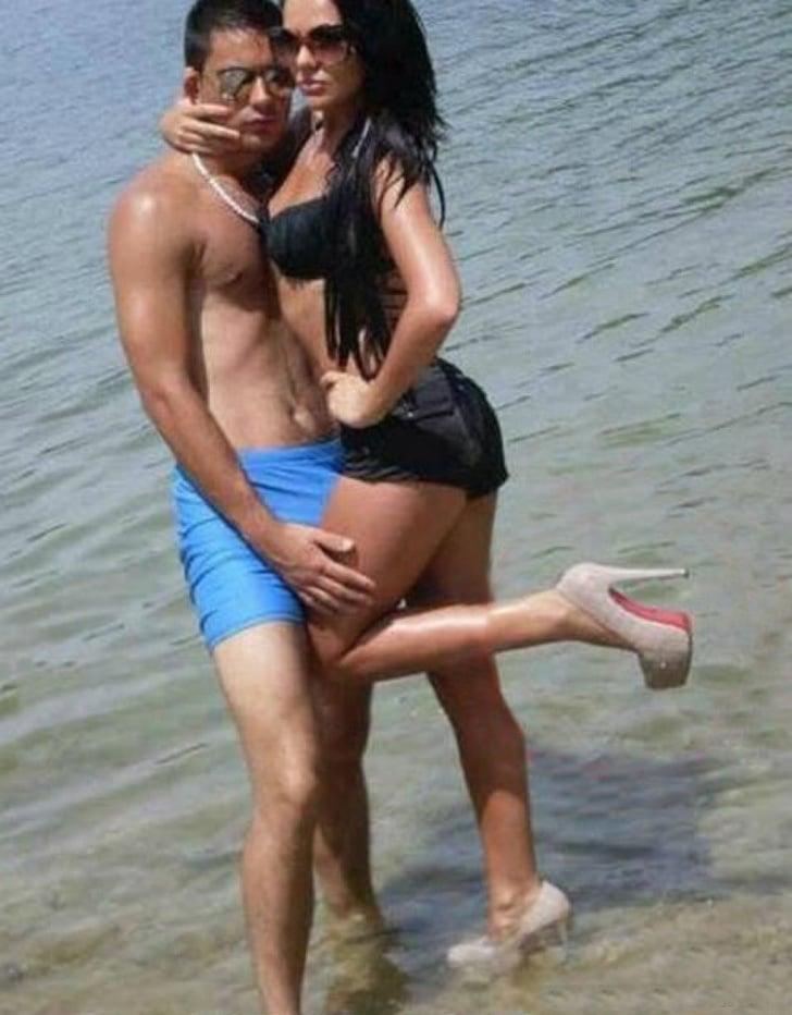 фото на каблуках на пляже