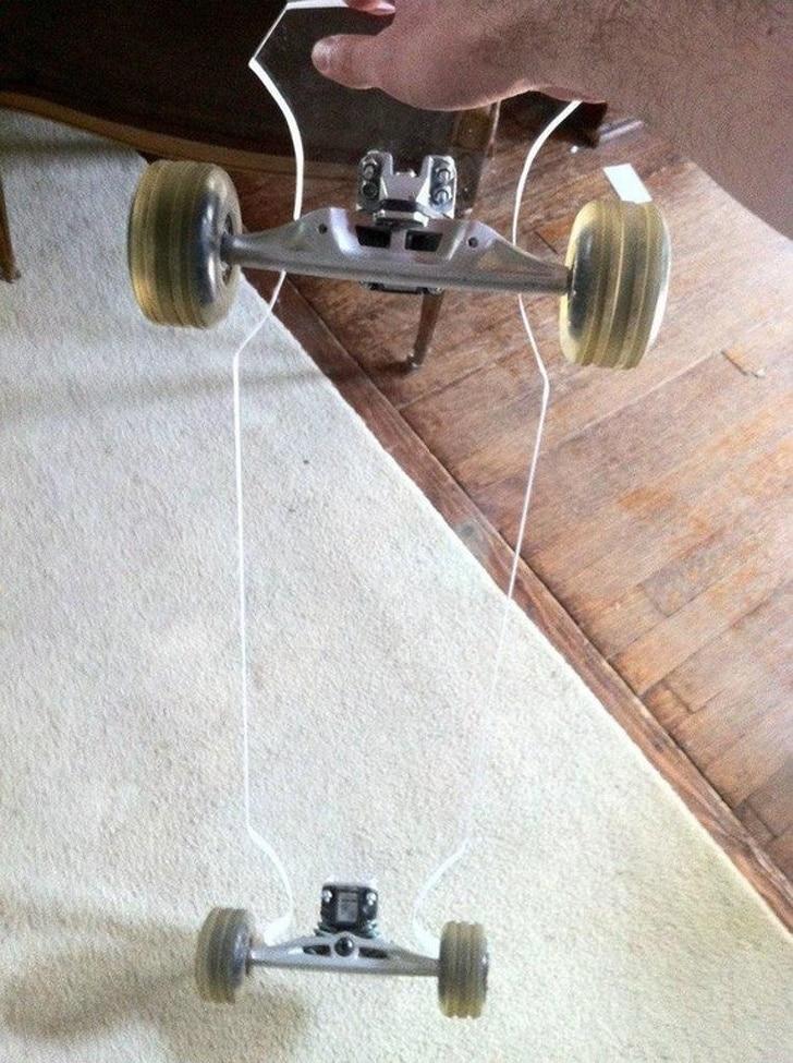 прозрачный скейт