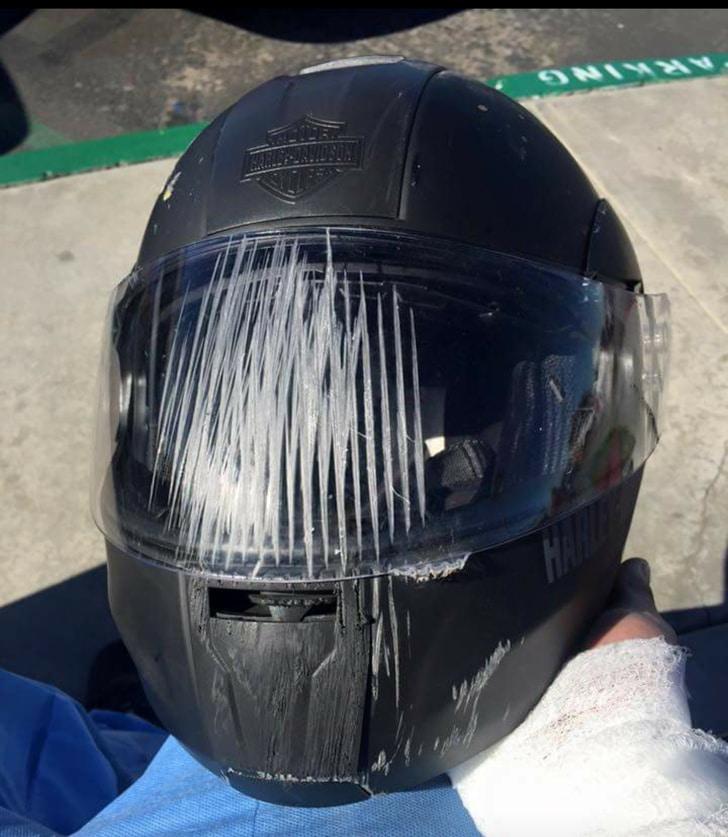 шлем после аварии