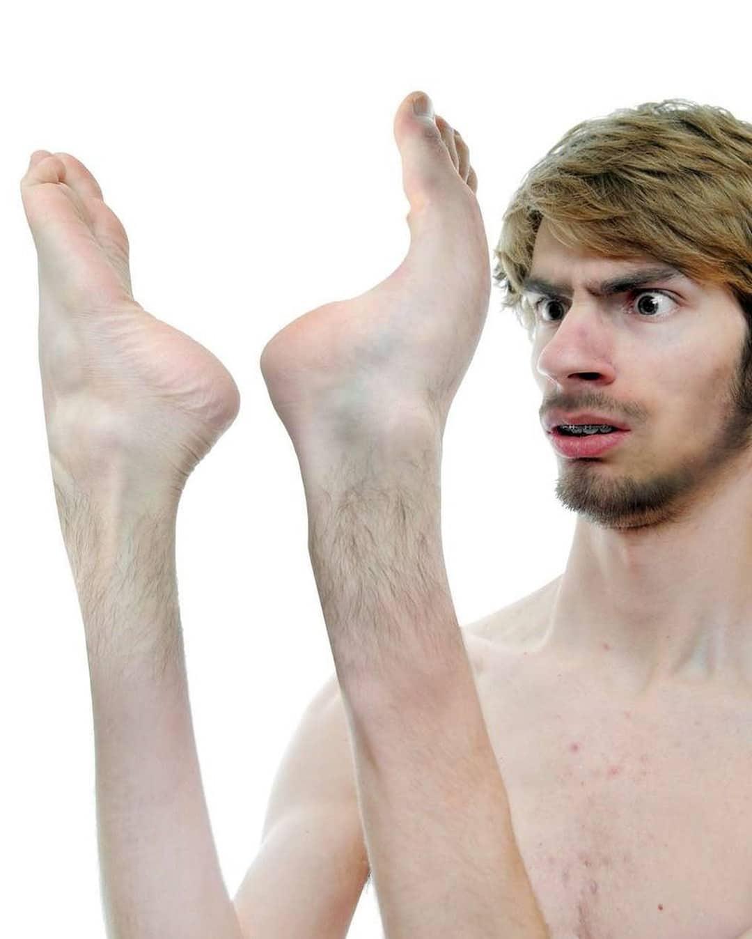 парень с ногами вместо рук