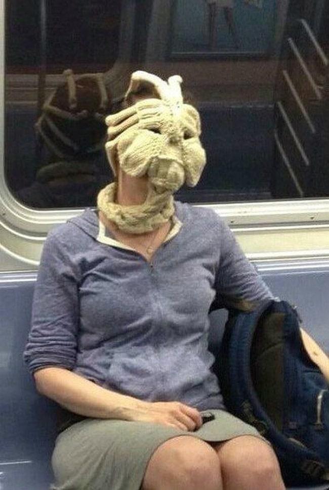 вязанная маска